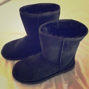 Ugh Classic Short Boots - Black